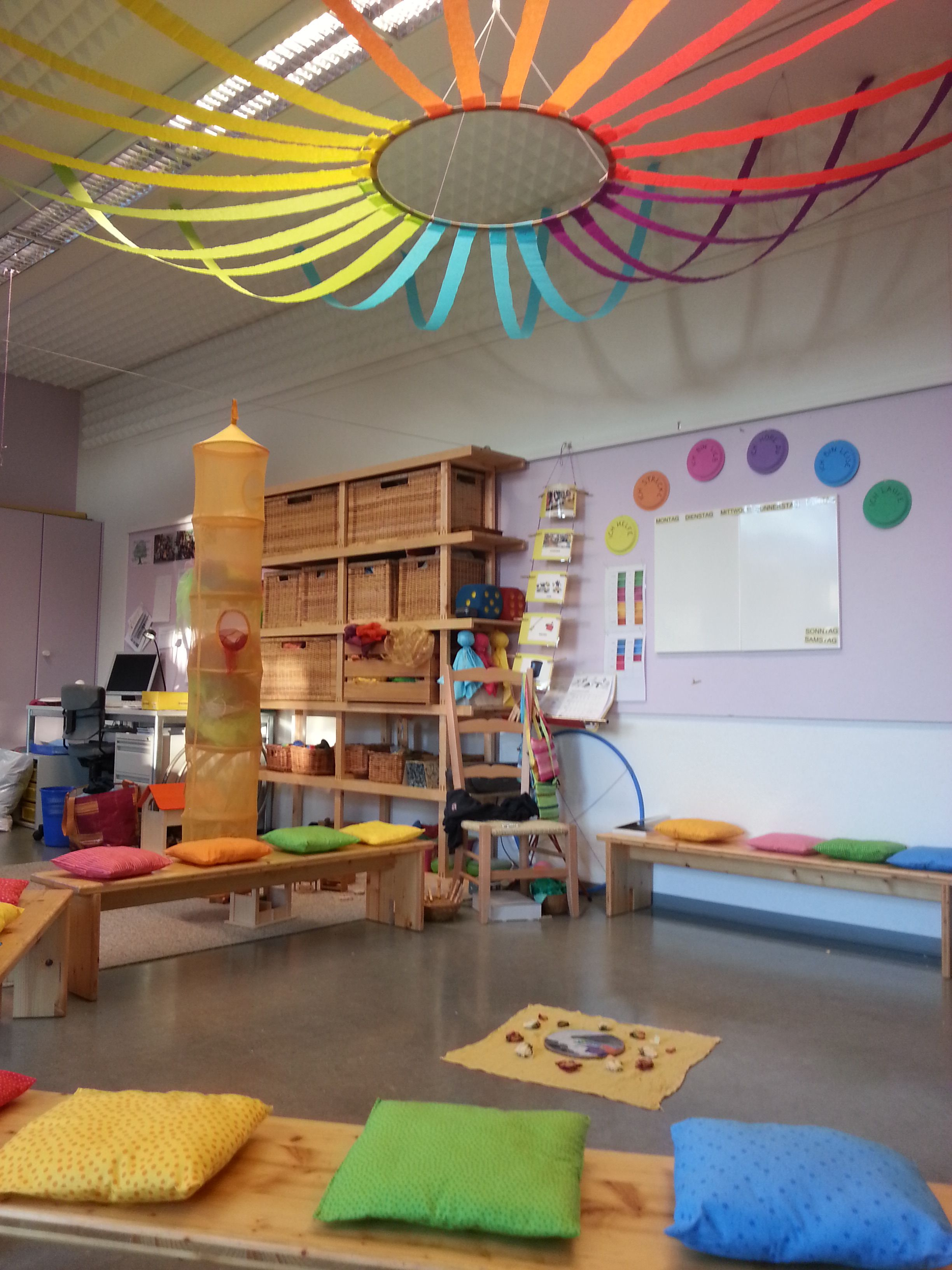 Great Ideas For School: Color Theme Kindergarten Love The Hoop And